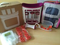 Infantino squeeze station with spoon and cooler bag