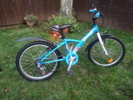 Rare Christmas theme Btwin kids bike 6 to 8 years