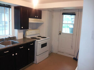 5½ Apartment clean,Blvd PIE IX (3 Bed Room) First Floor,  MAY 1