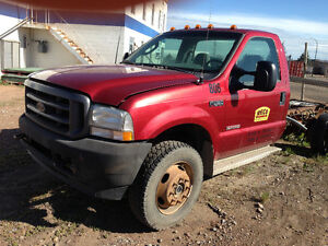 2003 2004 Ford F550 6.0 Diesel 4x4 Cab and Chassis Regular Cab