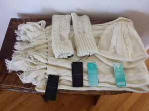 NEW: Ted Baker White Chunky Cable Knit Gloves Hat & Scarf