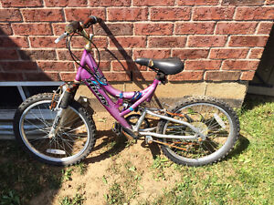 GIRLS BIKES BICYCLES CCM HUFFY SPORTS SPEED BIKE Cambridge Kitchener Area image 3