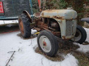 TRACTOR FORD N8 1949