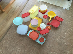 Tupperware 21 pieces