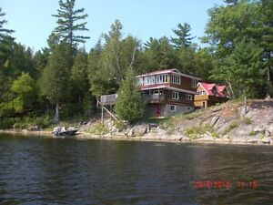 Waterfront cottage for rent in Renfrew