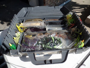 SHIMANO FLIPPING STICK AND TACKLE BOX OF BASS PLASTICS Windsor Region Ontario image 5