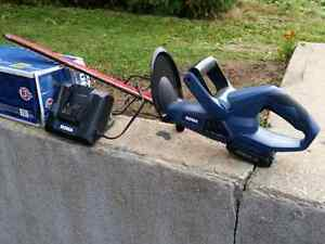 Hedge Trimmer Cornwall Ontario image 1