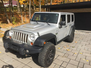 Jeep Wrangler Unlimited 2012 Édition Call of Duty MW3