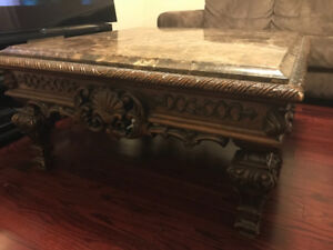 Excellent condition coffe table for sale