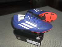 MENS ADIDAS SOCCER SHOES - SIZE 8