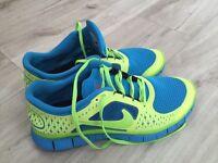 Nike Free Run 5.0 - size 9