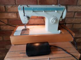 Sewing Machine Singer 258