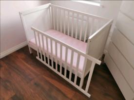 Baby Cot Ikea Sundvik + Ikea Mattress Krummelur