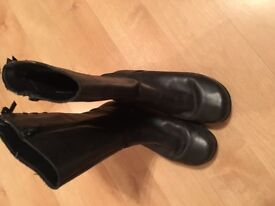 Clarks Boots Size 2.5