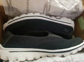 Skechers size 6