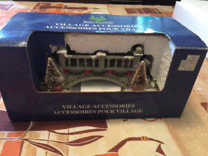 CHRISTMAS VILLAGE BRIDGE ACCENT