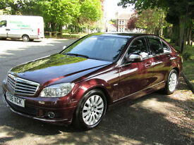 Mercedes-Benz C200 2.1TD Elegance**STUNNING CAR WITH GREAT SPEC**