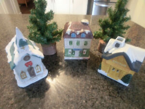 6 piece Christmas Scene Asking $15.00