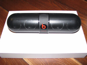 beats by Dr. Dre 900-00160-01 Pill 2.0 Bluetooth Speaker new