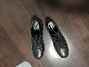 Men's Barely used like new 100 percent authentic Prada boots