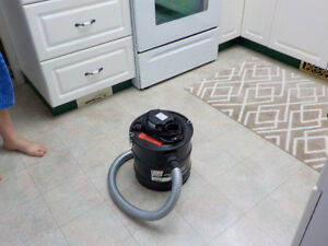 Vacuum for cleaning out ash from your fire place
