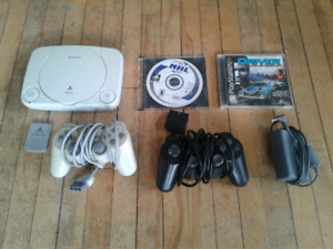Ps1 with 2 games and 2 controllers
