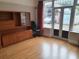 All Inc Ground floor of Big House in Caversham Town Centre + Parking