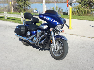 Awesome 2009 Yamaha 1300 Touring Motorcycle for sale