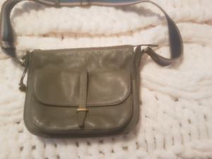 Fossil purse, olive green