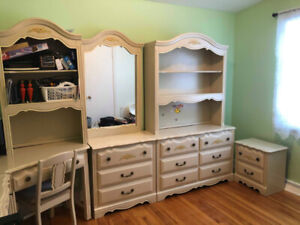 Girl's Bedroom Set/Ensemble chambre a coucher fille