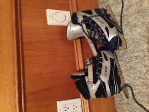 Girls Skates Size 5 Kitchener / Waterloo Kitchener Area image 1