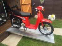 CLASSIC STYLISH HONDA SH 50 E - scooter moped motorcycle - cbt ready - low miles