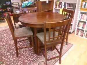 Round pub style table & 4 chairs