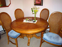 Set Salle-à-Diner en Chêne pour Vaisselle et Buffet Vaisselier