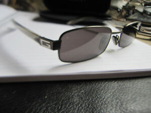Gucci Sunglasses GG 1638/S  E4W  Black And Silver Metal Italy