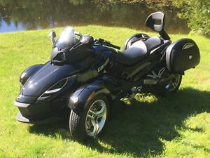 2012 BRP CAN-AM SPYDER RS (Manuelle, 7650 km, Valises, etc)
