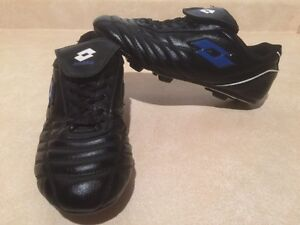 Boys Lotto Outdoor Soccer Cleats Size 5