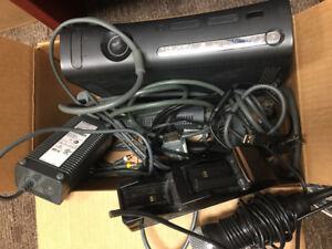 Xbox 360 2 controllers and 30 games50$