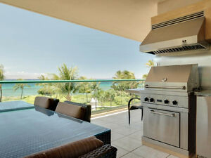 TRUE OCEANFRONT 3BR/3BA CONDO - OUTDOOR KITCHEN WITH Bbq ON LANA