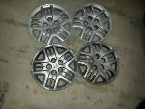 Steel rims and hubcaps for 2003 to 2007 Dodge Caravan