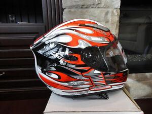 Zoan Revenge Helmet Size XS Red Flame w/4 Visors Incl.Brand New Kitchener / Waterloo Kitchener Area image 2