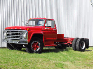 1973 Ford F700 Cab Chassis