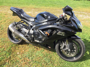 2008 Suzuki GSX R750  {Blacked Out}