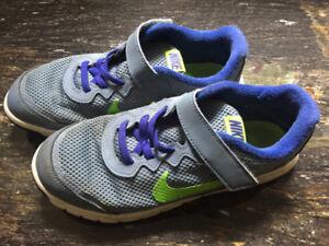 Nike boys shoes size 3