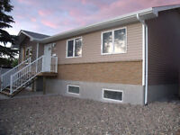 3 BED HOUSE AVAIL SEPT 1 - UTIL INCLUDED