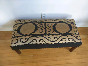 Never used Black and gold bench. Beautiful, elegant piece.