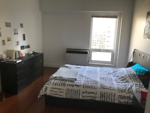 Subletting a bedroom in a 2 bedroom apartment, Downtown Montreal