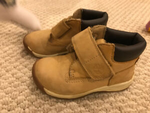 Timberland toddler hook and loop boots size 7