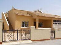 Costa Blanca, Spain. 2 bedroom semi-detached villa, 4 persons £220-£315 pw (SM103)