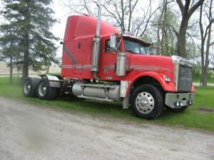 2007 Freightliner XL Classic   HEAVY AXLES  NO DPF